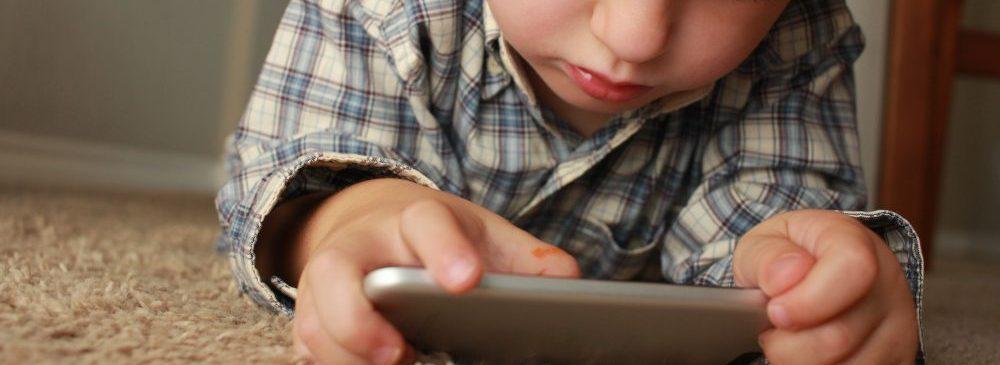 動画アプリの一日平均利用時間が2年前比で1.4倍に急上昇